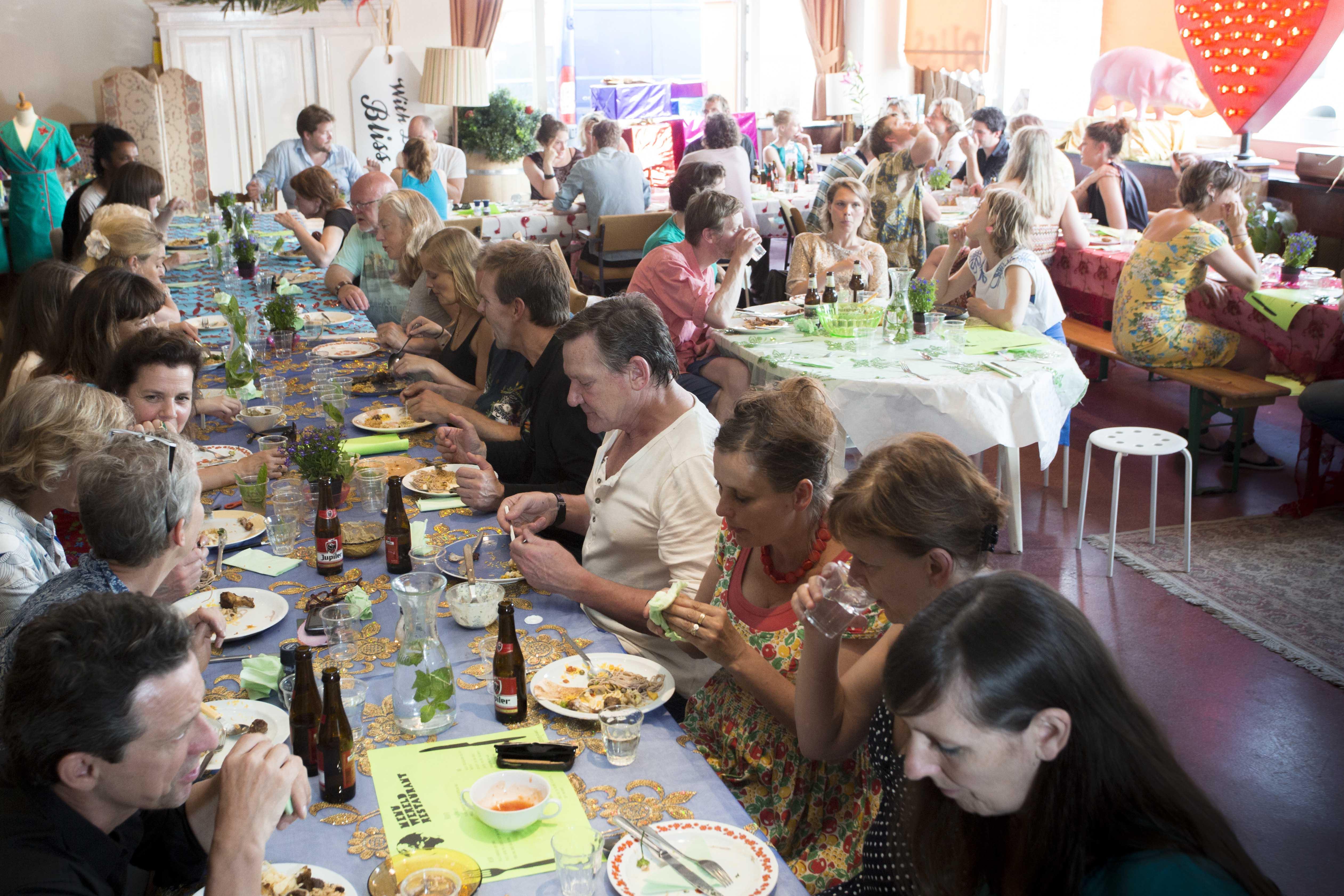 Wereldrestaurant Pers11april 2015